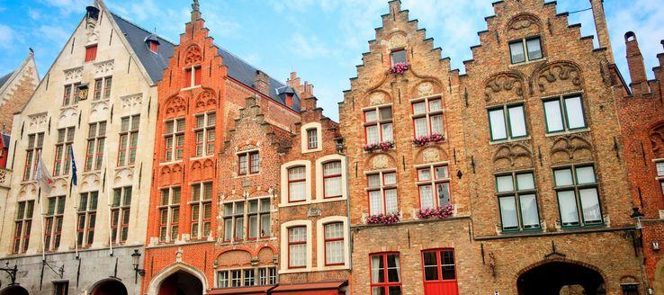 Im Mittelalter wurde die Stadt Brüssel zur Hauptstadt erklärt. In dieser Zeit entstanden diese wunderbaren mittelalterlichen Bauten, die zum Shoppen einladen.